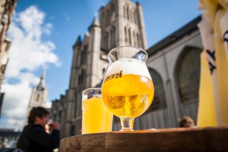 Belgian Beers Race par BYR Games - Bruxelles, bières et meeples